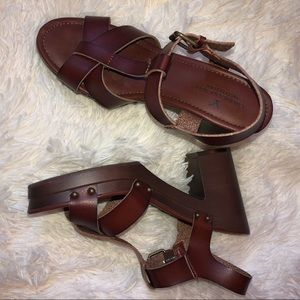 American Eagle brown leather sandals size 8